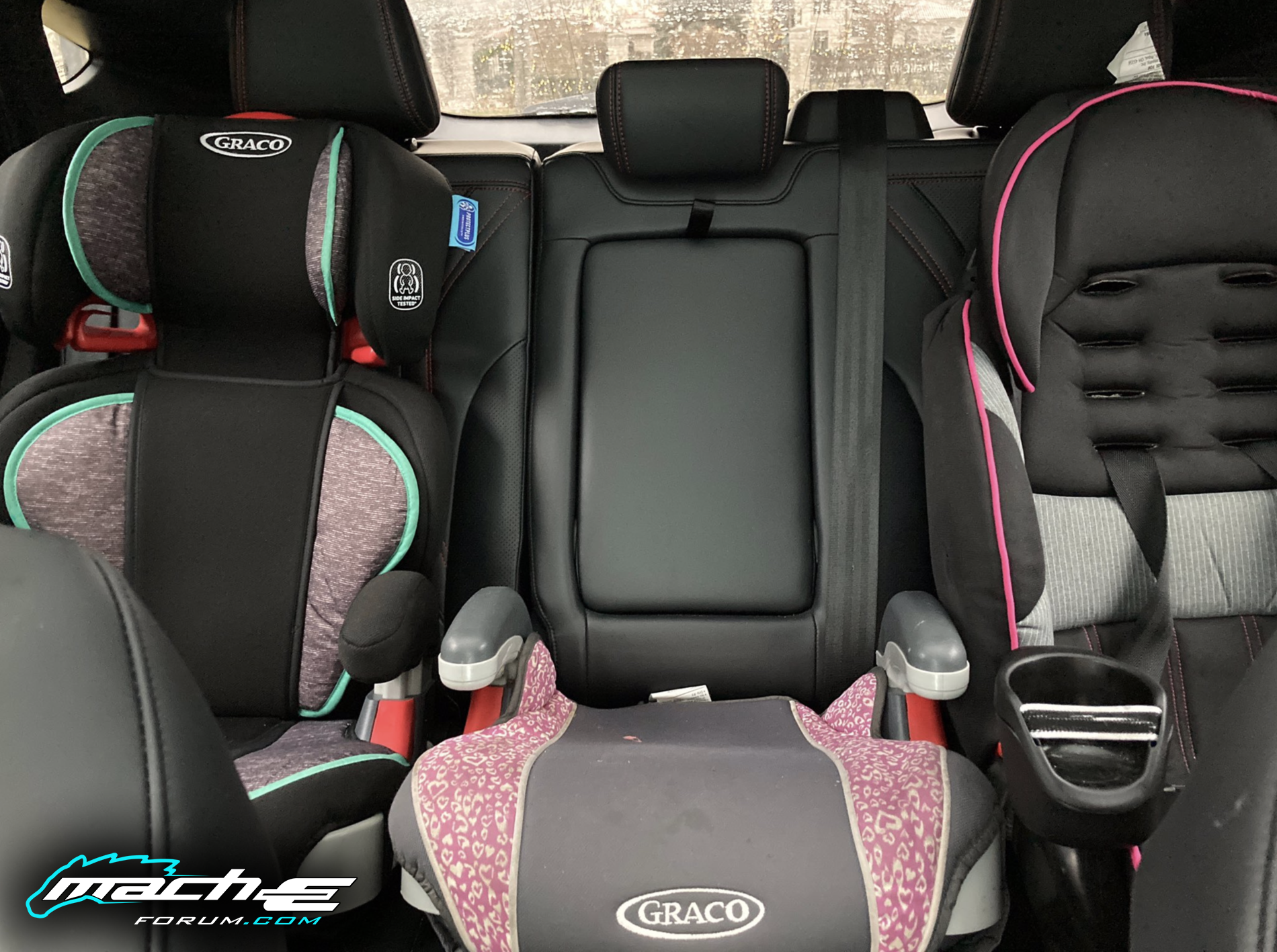 Mach-E baby child car seats 1.png