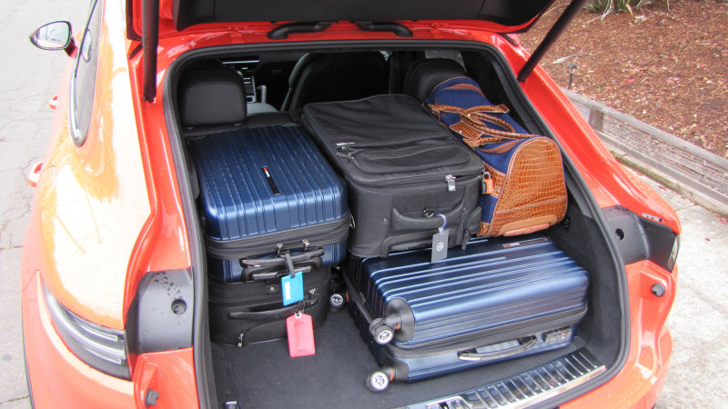 Porsche-Cayenne-Coupe-Luggage-Test-all-bags1.jpg