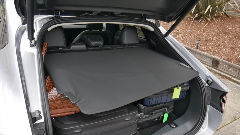 rd-Mustang-MachE-luggage-test-cargo-cover-collapse.jpg